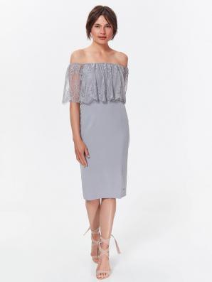 Šaty dámské šedé zdobené krajkou s odhalenými rameny