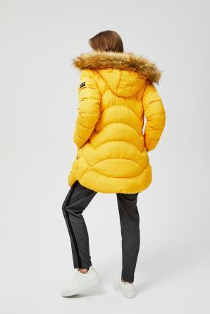 Bunda dámská prošívaná s kožíškovou kapucí